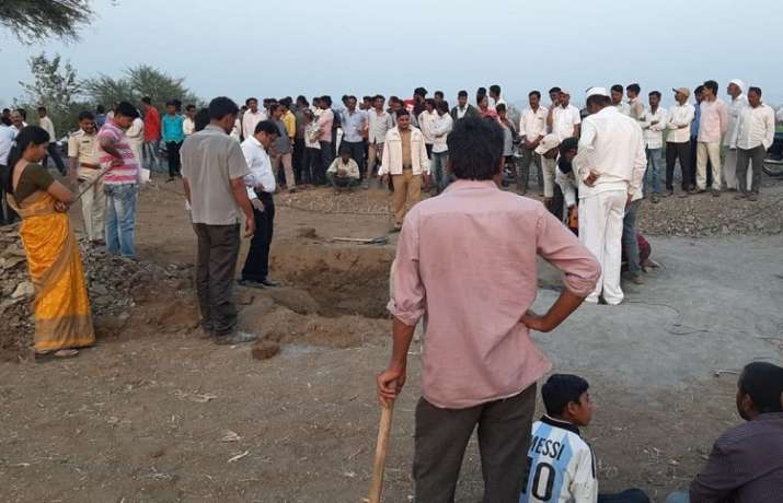 Boy falls into borewell in Pune
