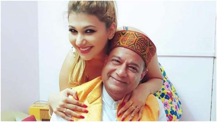 Bigg Boss 12 lovers Jasleen Matharu, Anup Jalota to make starry appearance in a film